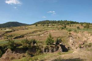 Whether soil is renewable or non-renewable is really more a question of how long it takes for soil to rebuild and recover after a disturbance, such as the erosion pictured here in the central Mexican Highlands. Photo: CIMMYT