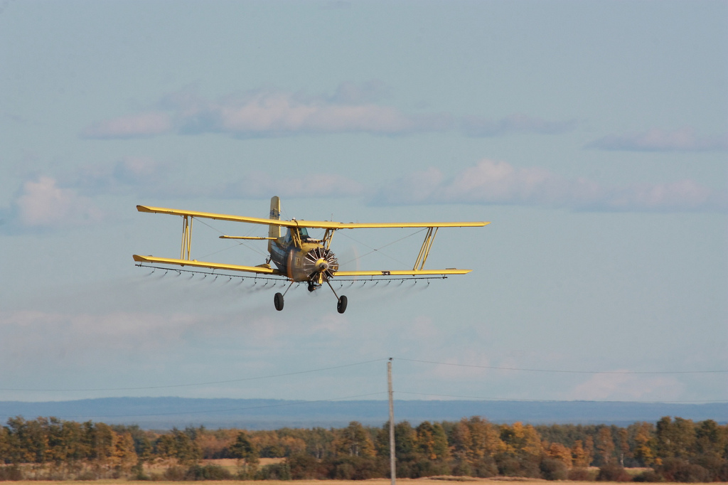 Crop duster - Keg River -CC BY-NC-ND 2.0